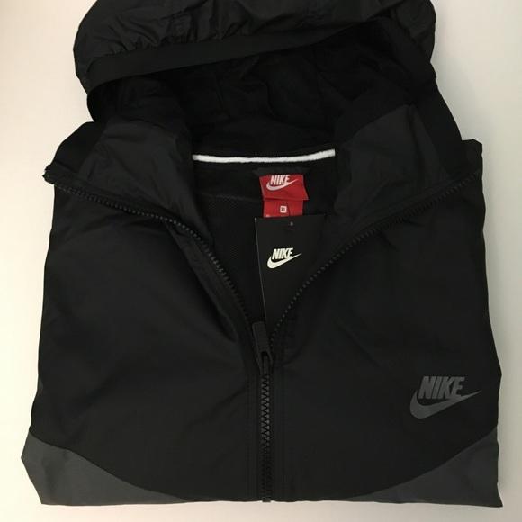 Nike Track Windbreaker Hoodie 651497c897e6